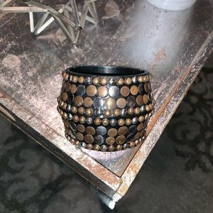 Jewelry - Chunky bangle bracelet